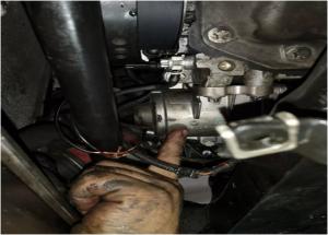 Ηλεκτρική μέθοδος αντικατάστασης της αντλίας νερού της BMW
